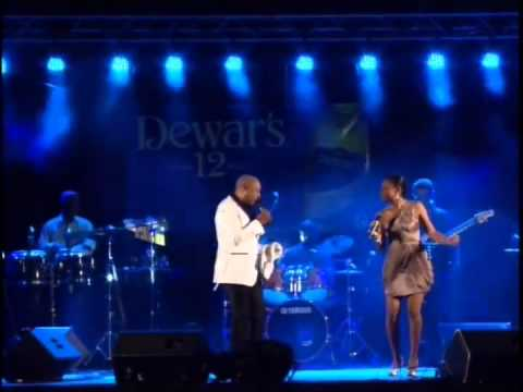 Peabo Bryson You're Looking Like Love to Me - Curacao May 2013 with Crosstown Traffic Band