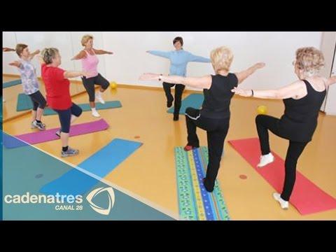 Un conjunto de ejercicios con el saliente del disco de la columna cervical