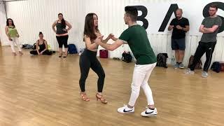 Toda Una Vida - Leoni Torres   SALSA DANCE + FOOTWORK