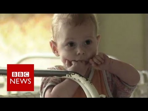 Growing up in a Romanian orphanage - BBC News