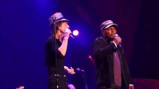 The Rolling Stones & Aaron Neville - Under The Boardwalk - Philadelphia 2013