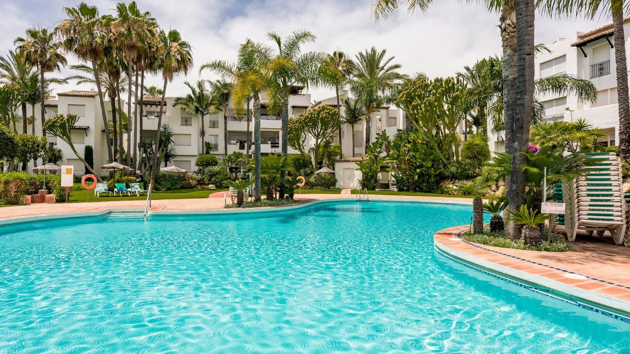2 bedroom penthouse for sale in the beachfront community of Costalita, Estepona