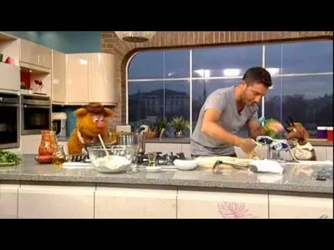 Making pasta with the Muppets (2012)
