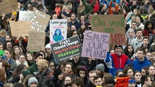 Canadians deeply concerned about climate change, poll suggests
