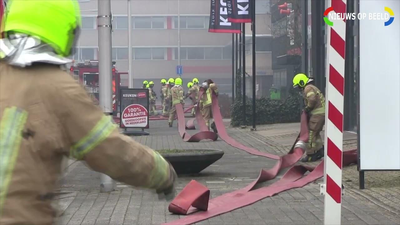 21 03 21 Zeer grote uitslaande brand verwoest woonwinkel Decor Wonen XL Lylantse Baan Capelle aan de