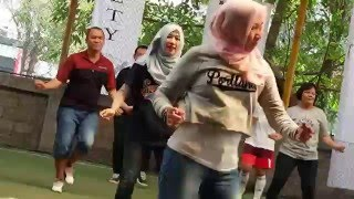 Chrisye Anak Sekolah feat Boedoet 90 Flash Mob Dance
