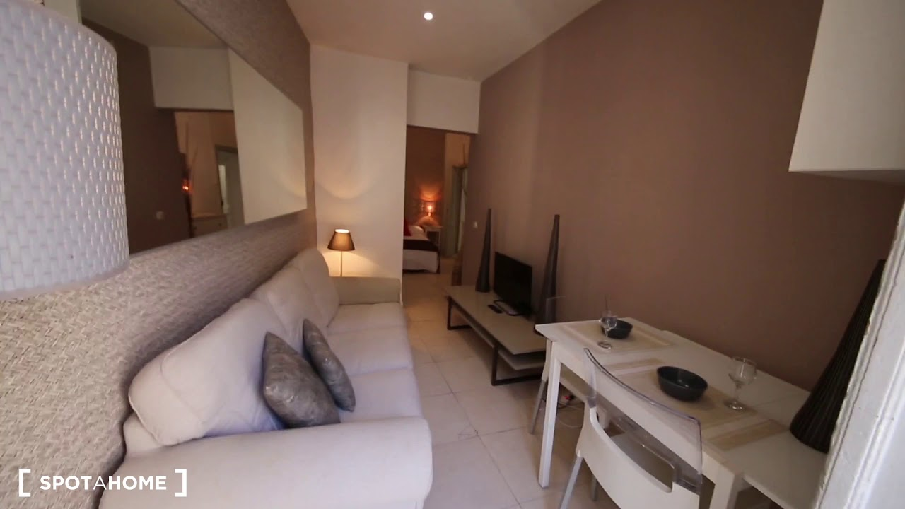 Huge 2-bedroom apartment for rent near Metro Tirso de Molina