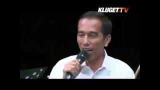 Presiden Jokowi Bernyanyi