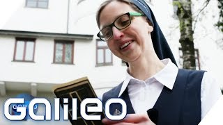 Wie schwer fällt Ihnen das Zölibat? 10 Fragen an eine Nonne | Galileo | ProSieben