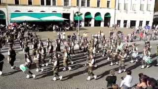 preview picture of video 'Fanfara Congedati Brigata Alpina Cadore, Belluno 2013. (4).'