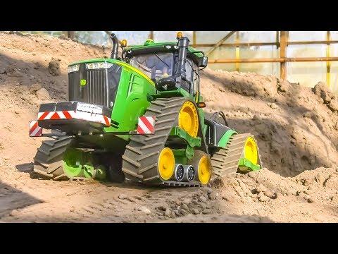 STUNNING RC Tractors in ACTION! Case Quadtrac! John Deere!