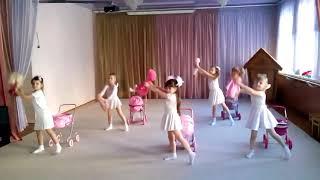 Средняя группа (4,5-5 лет) репетиция перед утренником 8 Марта