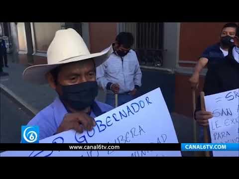 Campesinos de Oaxaca piden construcción de camino al gobernador
