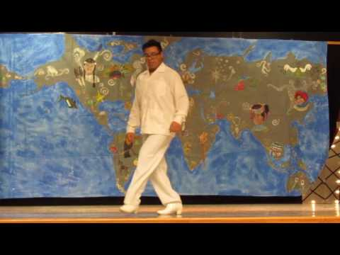 Solo I did from the state of Veracruz. The steps were done by me and placed third in a competition in San Antonio.