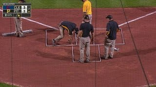 CLE@PIT: Groundscrew forgets to paint batters' boxes