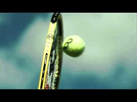 Aufgschlag beim Tennisspiel mit \(228\;\mathrm{km}/\mathrm{h}\) image source
