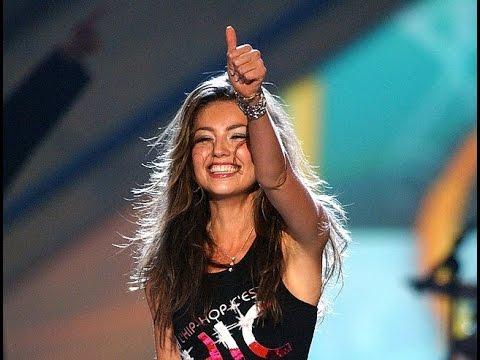 Thalía - A Quien Le Importa (Live Latin Grammy 2003)
