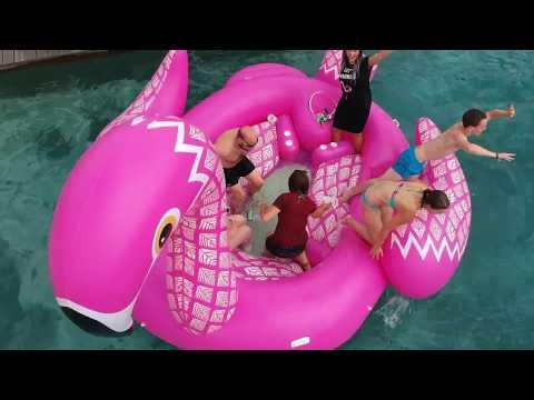 Riesige XXL Flamingo Schwimminsel | Das Sommer Gadget: Die aufblasbare Badeinsel