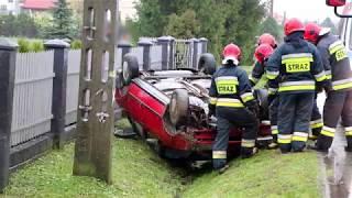 Dachowanie samochodu w Łężanach