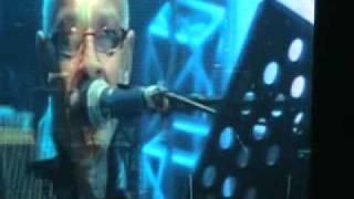 Dan Hill sings Cant we try --Love rocks , Live in Manila