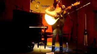 Flesh for bones - Terra Naomi live