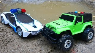 Looking for cars under C295T sand - toys for kids