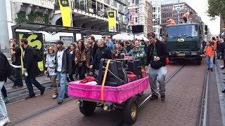 ADEV : Dansen in de straten voor een vrijzinnig Amsterdam / ADM