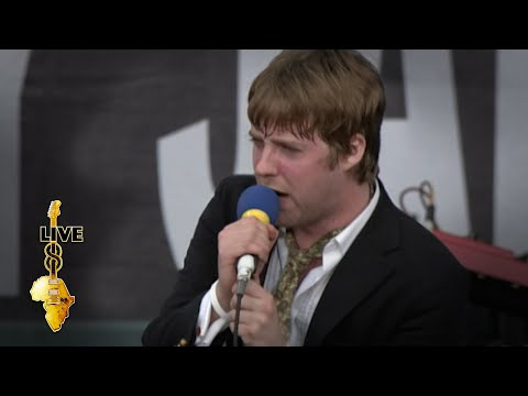 Kaiser Chiefs - Every Day I Love You Less And Less (Live 8 2005)