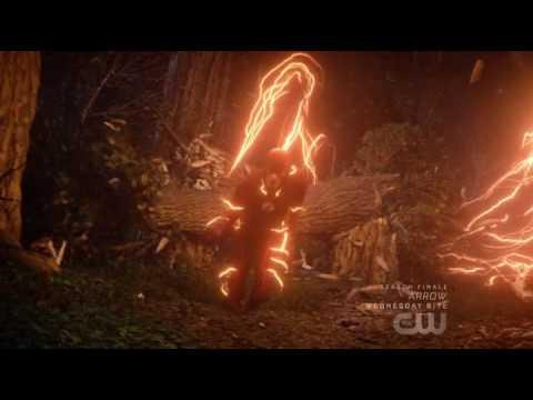 Team Flash vs Savitar- Epic Fight. (Flash Season finale!)
