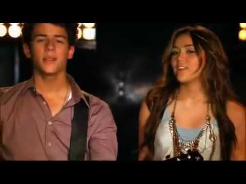 Música Send It On (feat. Miley Cyrus, Demi Lovato and Selena Gomez)