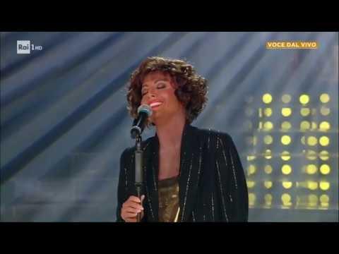 "Whitney Houston - Lidia Schillaci canta: ""I will always love you"" - Tale e Quale Show 08/11/2019"