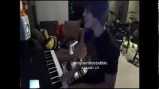 Austin Mahone Singing Let Me Love You by Mario on Ustream 23/11/13 HD