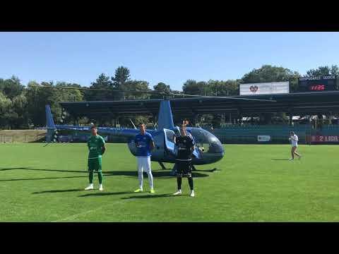 Wideo: Piłkarze Górnika wylądowali na płycie stadionu w Polkowicach