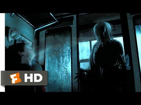 列車でハリーを襲うディメンター
