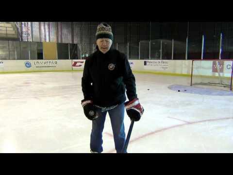 Como coger un stick de hockey hielo