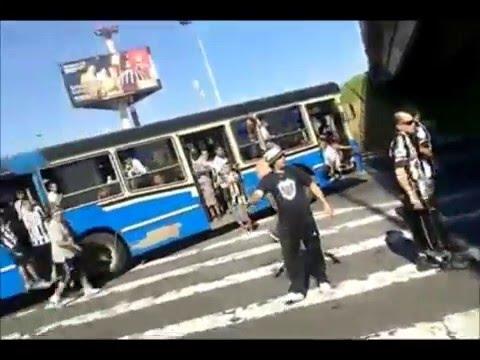 """Caravana a Sarandí - La Barra De Caseros."" Barra: La Barra de Caseros • Club: Club Atlético Estudiantes"