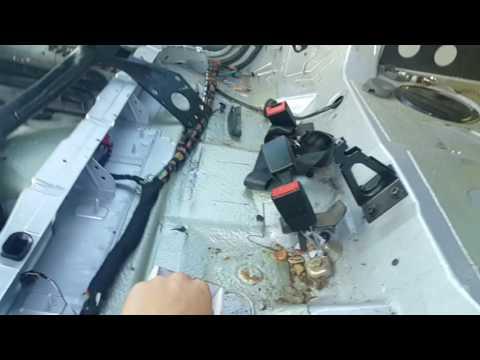 Как снять боковое стекло дверей AUDI A4 B5