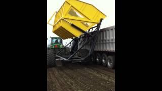 High Dump Cart HDC18S Dumping Sugar Beets