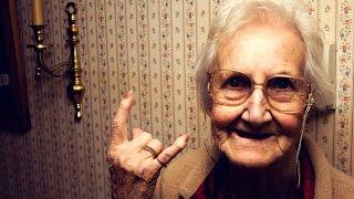 Смотреть онлайн Подборка: Смешные русские старушки