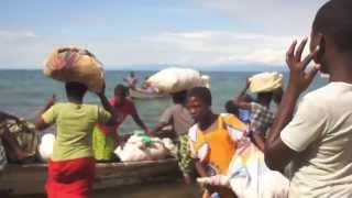preview picture of video '旅する鈴木483:Across the lake, to the Island @Malawi'