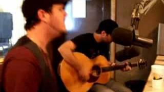 "Josh Hoge performs ""360"" on Q92!"