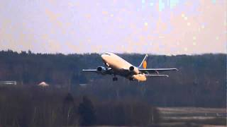preview picture of video 'Boeing 737-500 taking-off in evening sunlight'