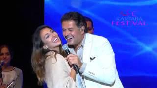 تحميل اغاني فتاة من الجمهور تشارك راغب علامة بالغناء على مسرح مهرجانات قرطبا MP3