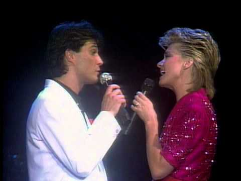 Olivia Newton-John - Suddenly (Live 1982)