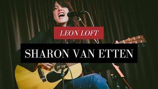 "Sharon Van Etten Performs ""Seventeen"" Live at the Leon Loft"