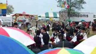 preview picture of video 'Flint Scottish Pipe Band-Fergus, Ontario'