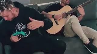 Mike Bahía Cantando La Lá Junto A Ovy On The Drums