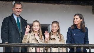 Familia Real. Así pasearon por Asiegu | Diez Minutos