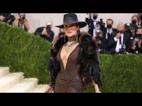 Jennifer Lopez Rocks Met Gala Red Carpet WITHOUT Ben Affleck (Exclusive)