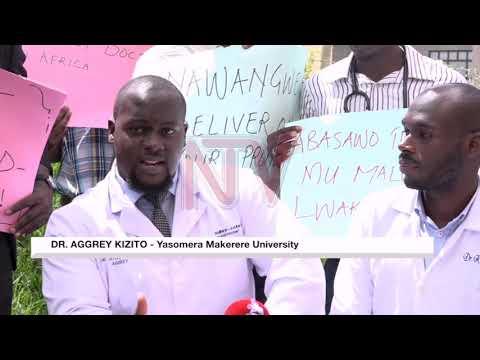 MUTUWE SATIFIKEETI ZAFFE: Abaasoma obusawo e Makerere bawadde nsalessale